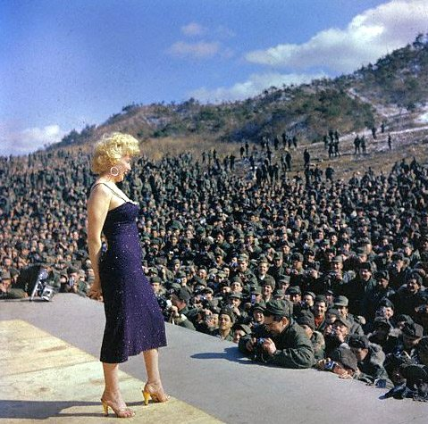 Marilyn Monroe USO